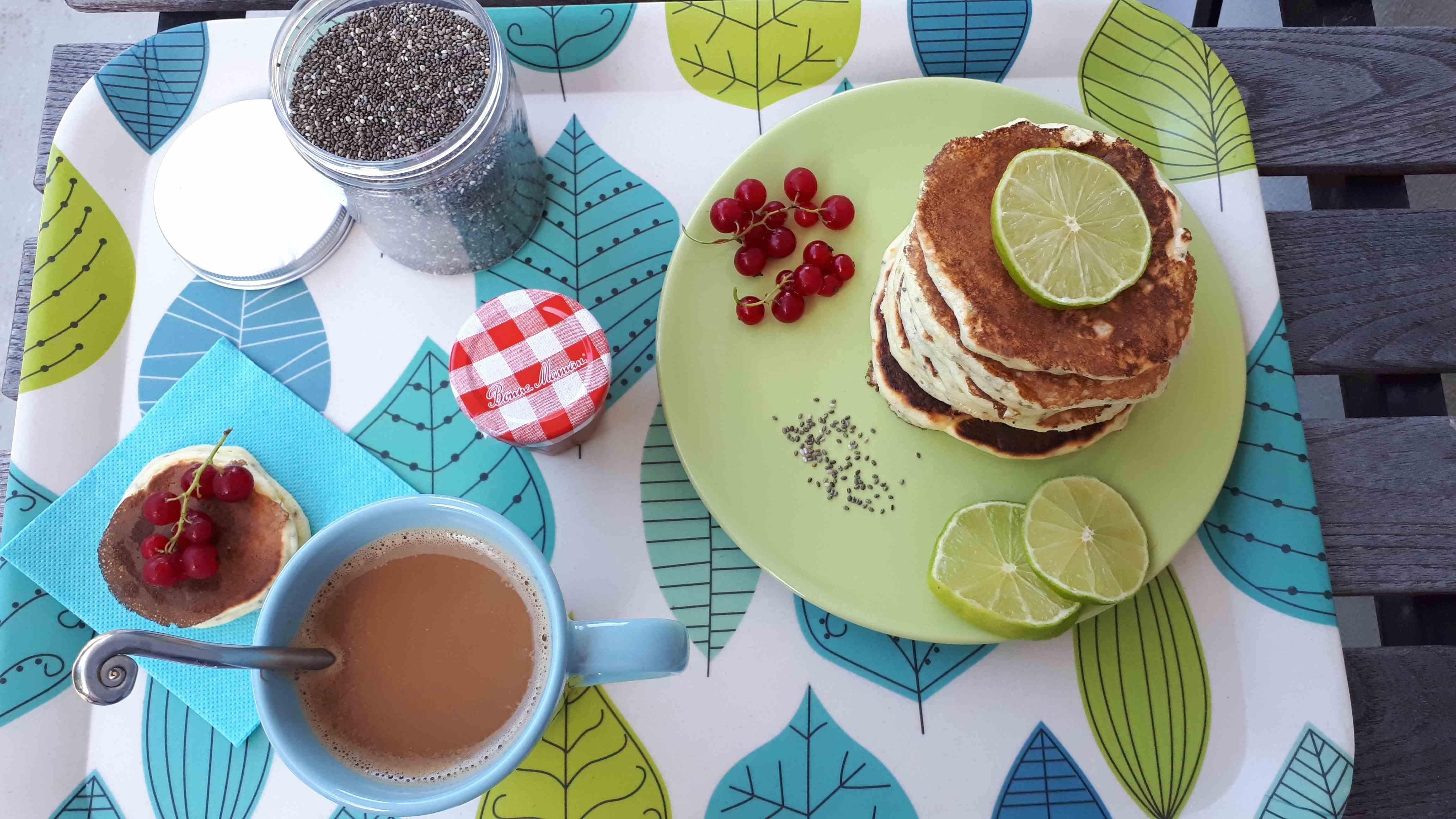 Pancakes citron vert aux graines de chia
