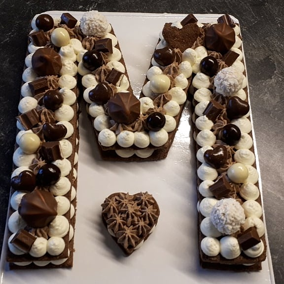 Letter cake chocolat