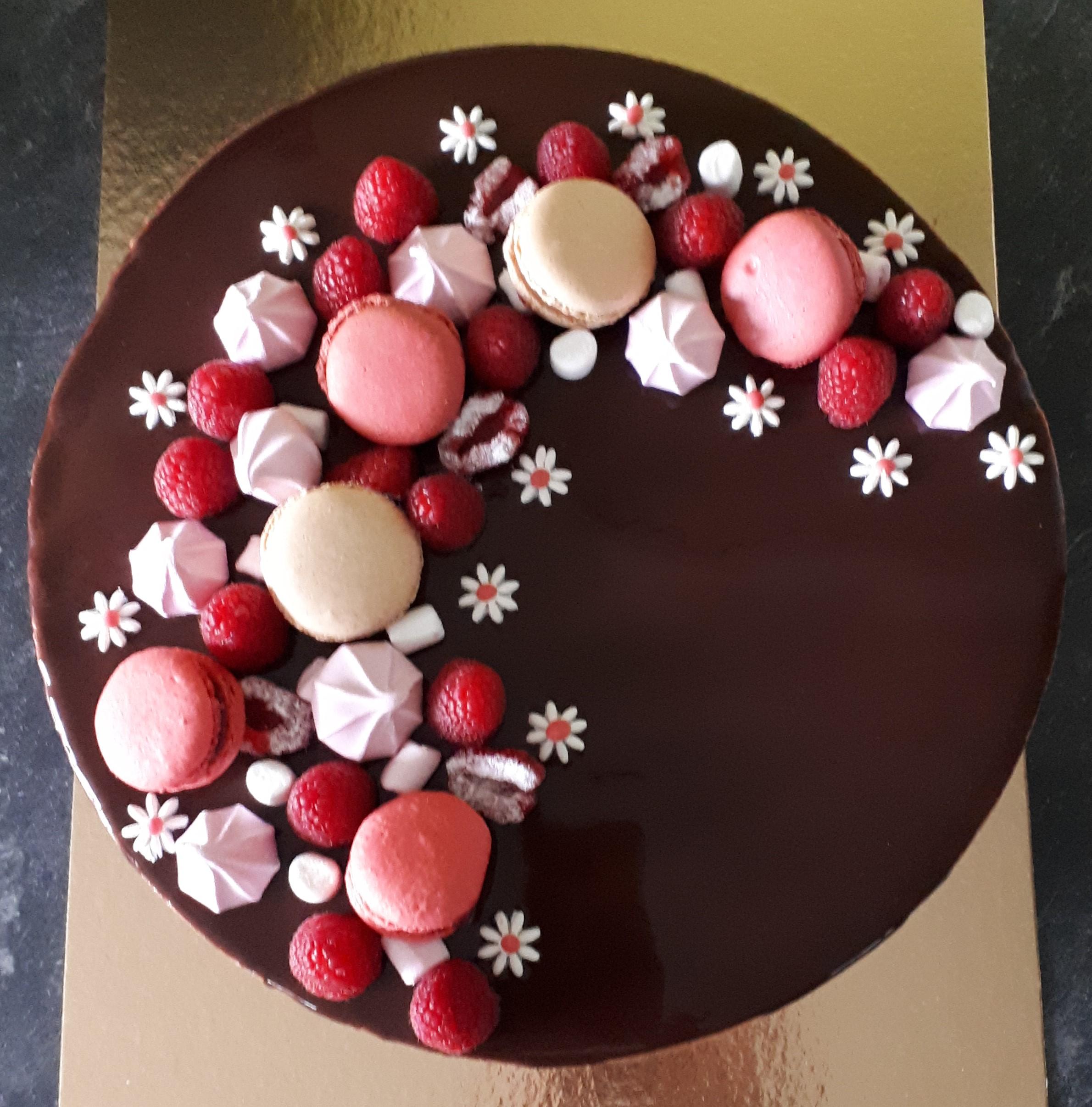 Entremet framboises chocolat