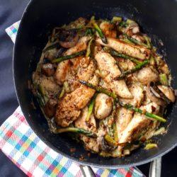 Cocotte asperges champignons poulet