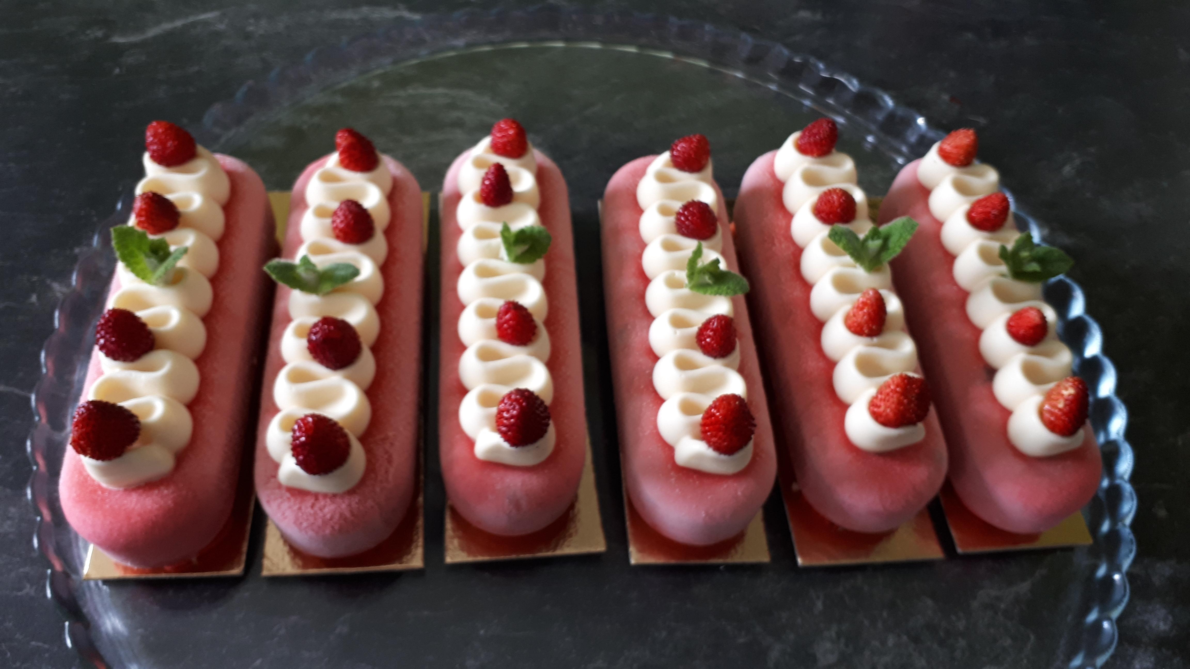 Éclairs entremets fraises