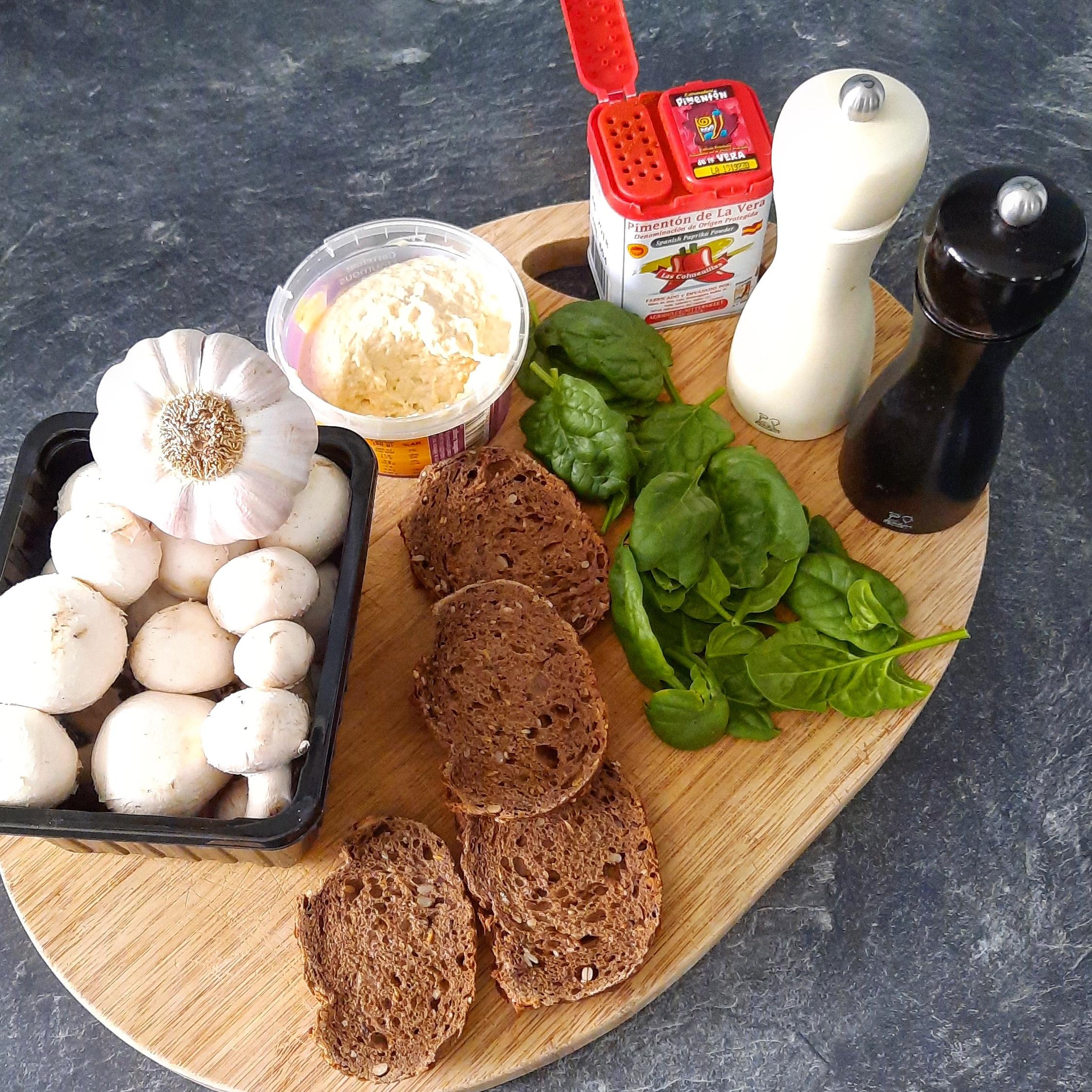 Tartines houmous champignons