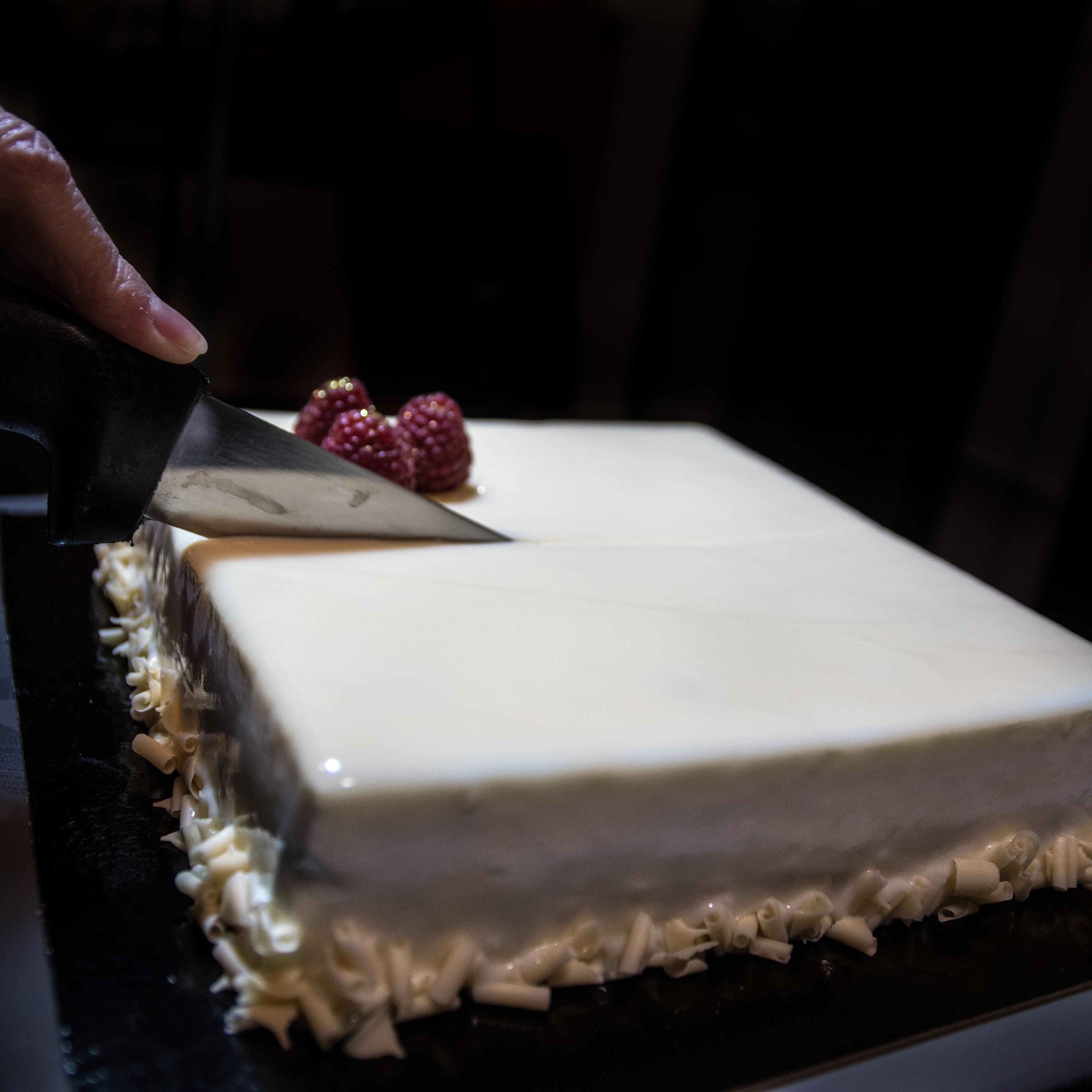 Entremet framboises chocolat blanc